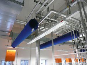 Kienzler-Luftschlauch-Krankenhaus-Labor-03-Textilluftschlauch-Luftverteilsystem