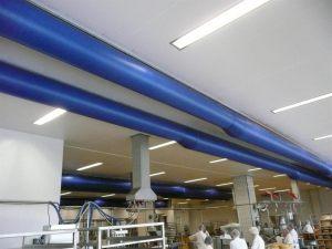 Kienzler-Luftschlauch-Lebensmittelindustrie-08Kienzler-Luftschlauch-Krankenhaus-Labor-03-Textilluftschlauch-Luftverteilsystem